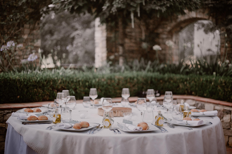 mariage; provence; lorgues; chateau crostes; robe; lorgues, vaucluse atelier traiteur marseille